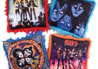 Kiss Pillows